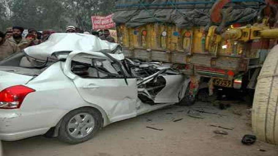 सड़क दुर्घटना पीड़ितों को कैशलेश इलाज की सुविधा जल्द, 2.5 लाख रुपये होगी सीमा - India TV Hindi