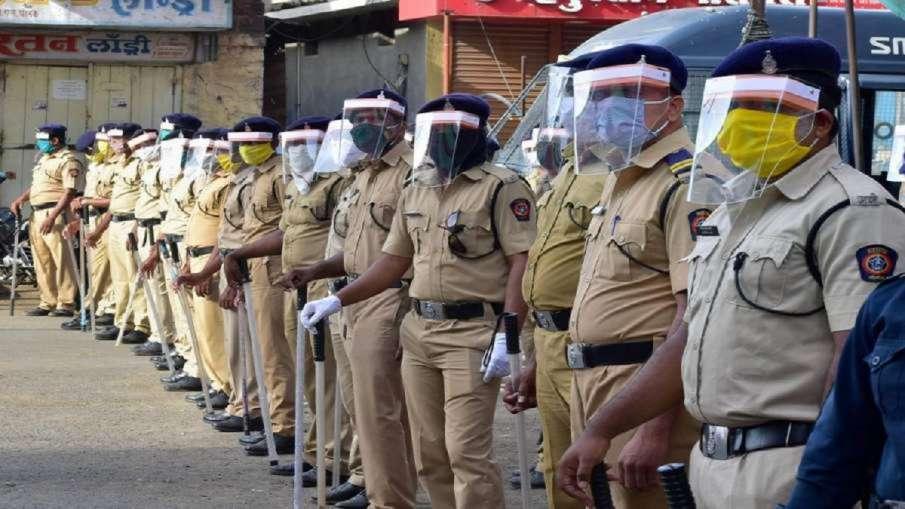 महाराष्ट्र: पिछले 24 घंटे में 77 पुलिसकर्मी कोरोना पॉजिटिव, 2 की मौत- India TV Hindi
