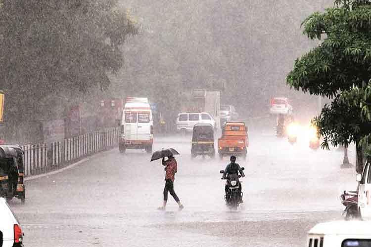 केरल के कई हिस्सों...- India TV Hindi