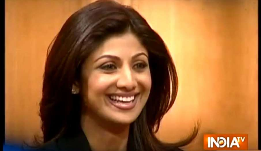 आप की अदालत में शिल्पा शेट्टी ने दिए कई सवालों के जवाब- India TV Hindi
