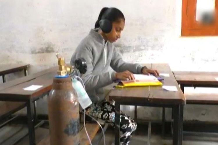 ऑक्सीजन सिलेंडर के...- India TV Hindi