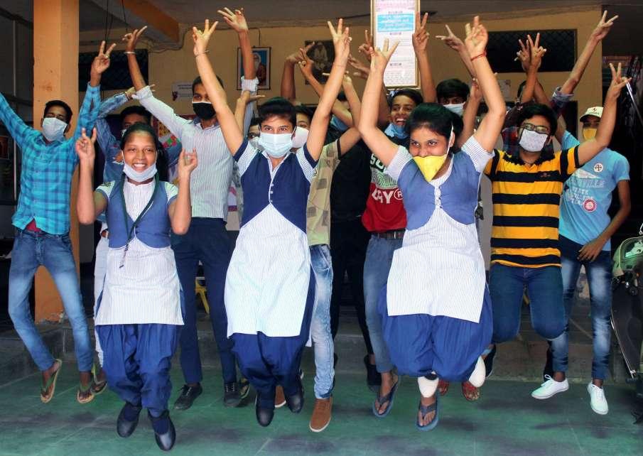 उत्तराखंड बोर्ड 10वीं...- India TV Hindi