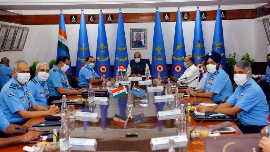 किसी भी स्थिति से निपटने के लिए तैयार रहे वायुसेना, रक्षामंत्री राजनाथ सिंह ने किया आगाह- India TV Hindi