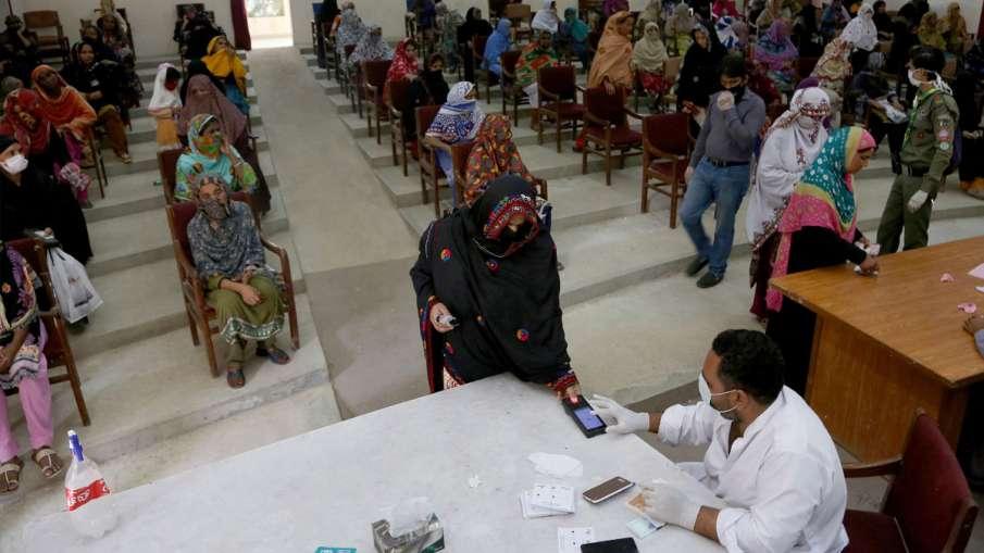 Doctors Resign, Coronavirus in Pakistan, Pakistan- India TV Hindi