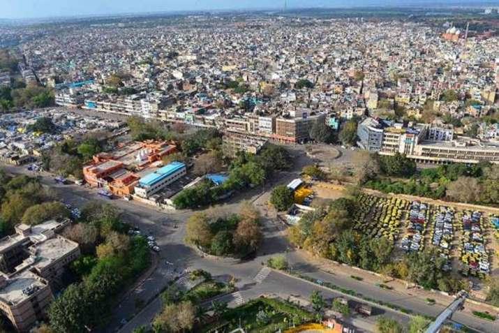 4 महीने में भूकंप के 18...- India TV Hindi