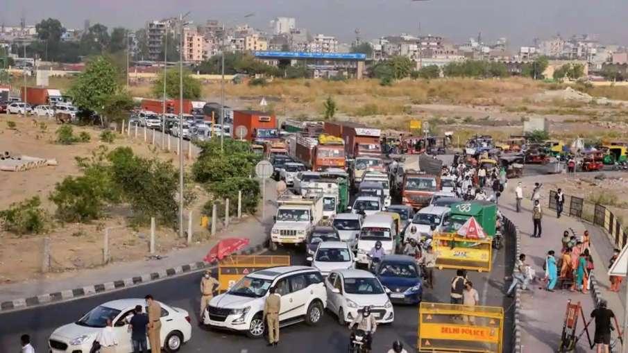 Delhi Ghaziabad border seal long Traffic jam- India TV Hindi