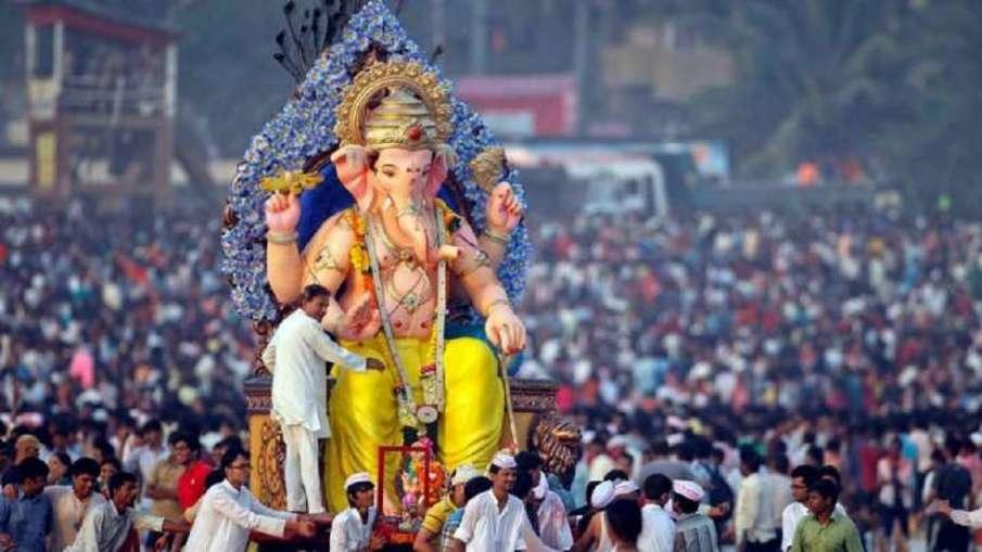 गणेशोत्सव पर महामारी की छाया, महाराष्ट्र में मूर्तियों की ऊंचाई सीमित की गई- India TV Hindi