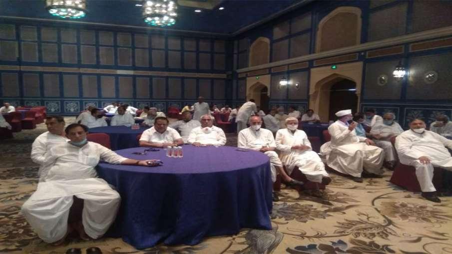 Rajasthan congress mla meeting begins in fairmount hotel - India TV Hindi