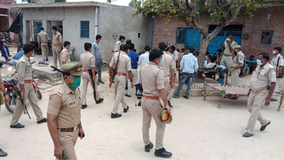Station Officer of police station in Kanpur suspended over allegations of role in cops' killing- India TV Hindi