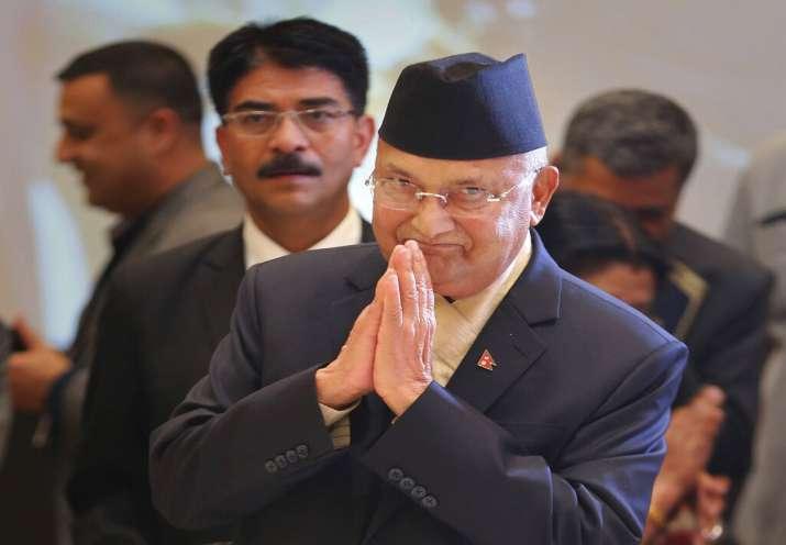 नेपाल के पीएम ओली और कम्युनिस्ट नेता प्रचंड ने नए सिरे से बातचीत शुरू की - India TV Hindi