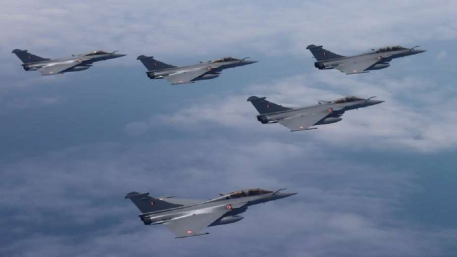 चीन और पाकिस्तान के लड़ाकू विमानों पर कैसे भारी पड़ेगा राफेल? ये रही पूरी डिटेल- India TV Hindi