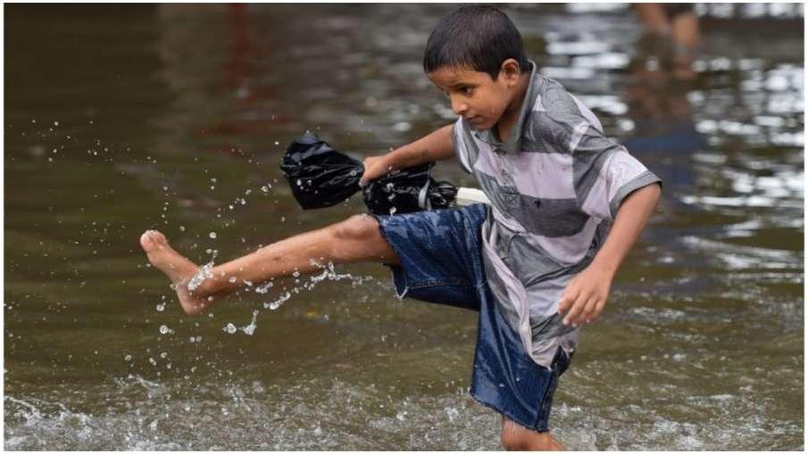गुजरात के कई जिलों में भारी बारिश- India TV Hindi
