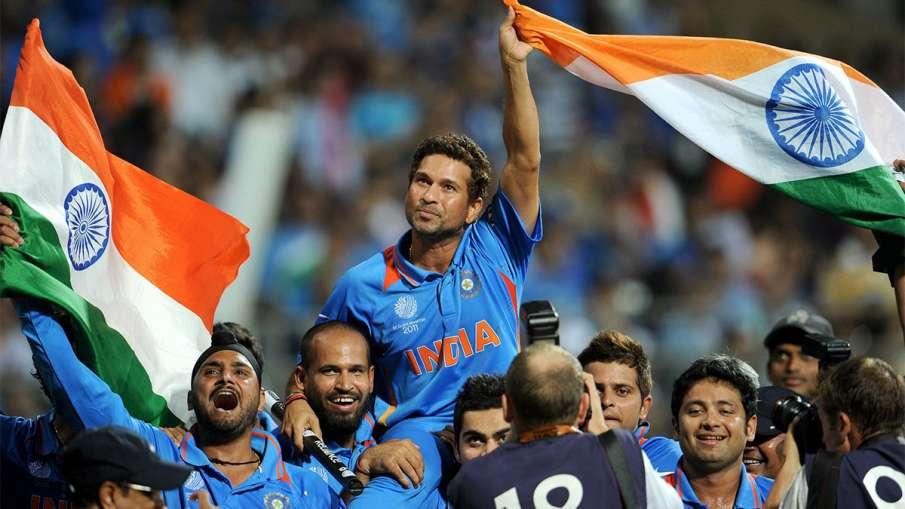 World Cup 2011: Virat Kohli felt something after lifting Sachin Tendulkar on his shoulders- India TV Hindi