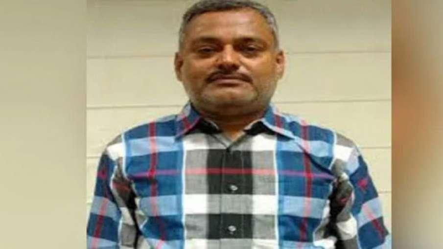 Police to attach property of Vikas Dubey's brother Deep Prakash Dubey- India TV Hindi