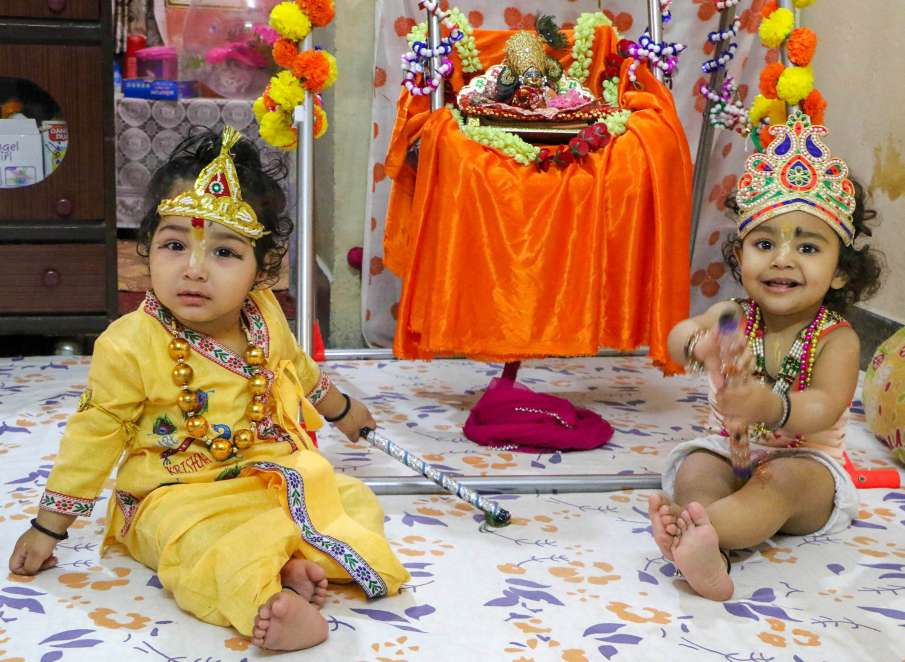 Janmashtami: No entry to devotees in Mathura temples, 'puja' to be live streamed at Janmasthan- India TV Hindi