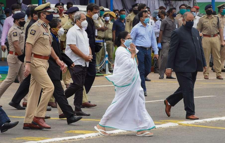 Ex BJP leader joins TMC in west bengal । बंगाल में BJP को बड़ा झटका! इस बड़े नेता ने थामा TMC का दाम- India TV Hindi