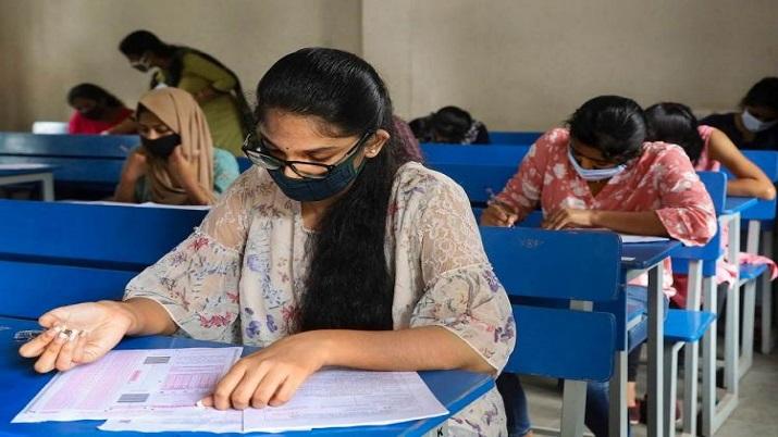 Odisha Govt to provide free transport and accommodation to JEE, NEET exam candidates- India TV Hindi