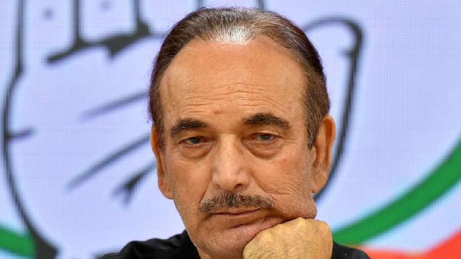 Rahul Gandhi reaches out to dissident group leader Ghulam Nabi Azad: Sources- India TV Hindi