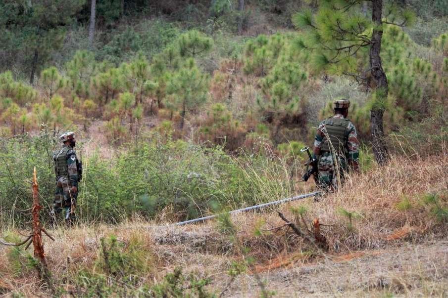 6 पाकिस्तानी लड़कों को BSF ने हिरासत में लिया, पंजाब में भारत-पाक बॉर्डर के पास से पकड़ा- India TV Hindi