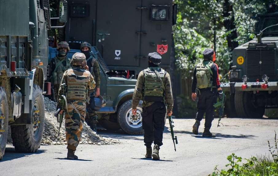 Kashmir news encounter in shopian two terrorist killed । Kashmir के शोपियां में दो आतंकी ढेर, एनकाउं- India TV Hindi