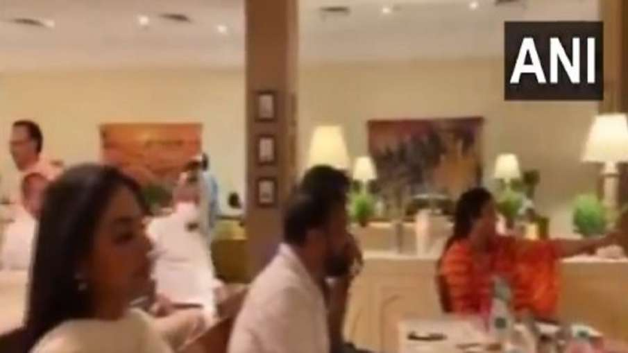 Congress MLAs staying at Hotel Suryagarh in Jaisalmer attend a musical concert- India TV Hindi