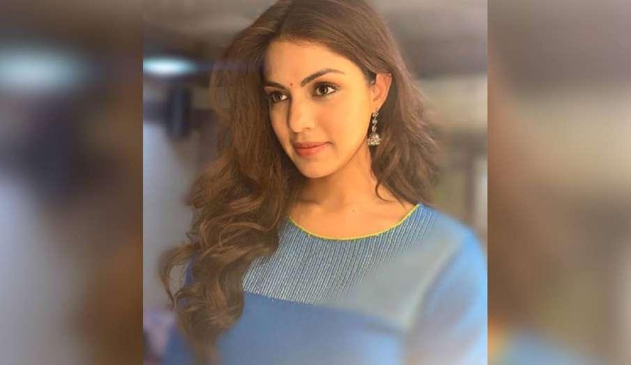 ED interrogating Rhea Chakraborty- India TV Hindi