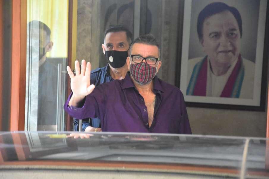 संजय दत्त पहुंचे घर- India TV Hindi