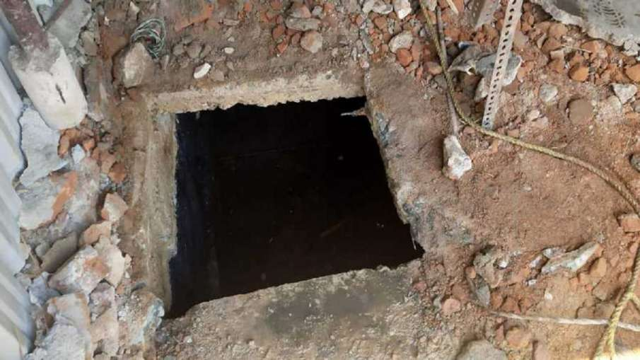 2 Workers Die After Inhaling Toxic Gas From Septic Tank Himachal Pradesh's Hamirpur District - India TV Hindi