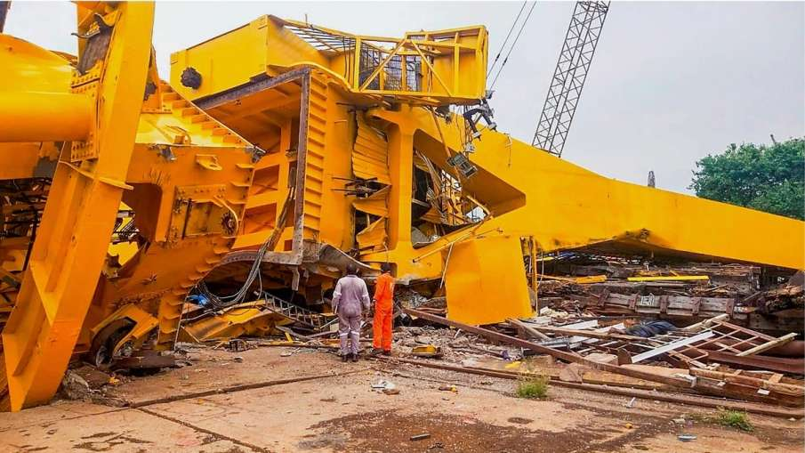 Visakhaptnam Crane Accident, Srikakulam Car Accident, Crane Accident Hisdustan Shipyard- India TV Hindi