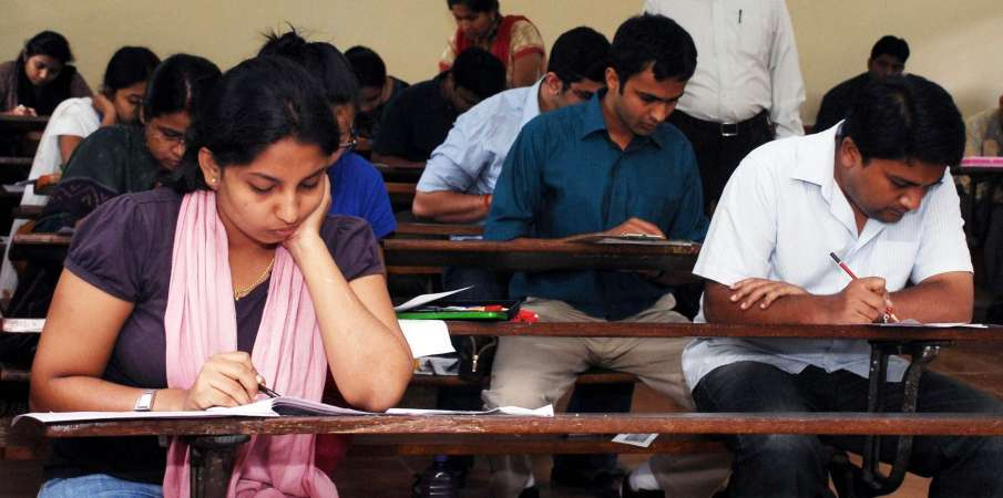 The court asked DU to speed up the online open book test...- India TV Hindi
