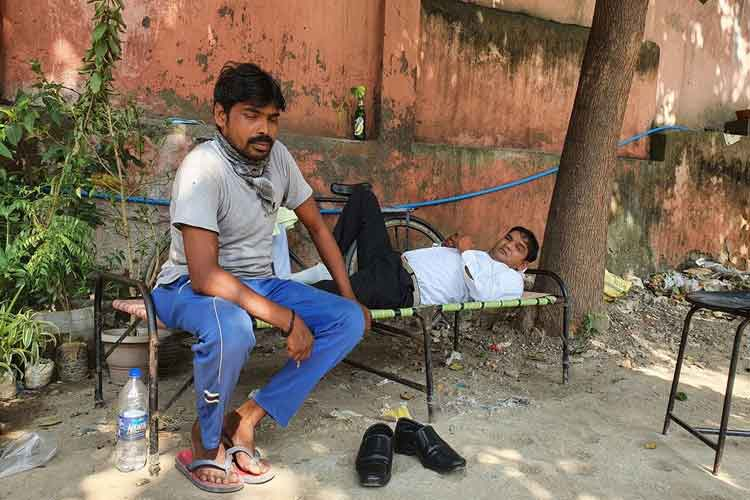 The shadow of Corona on Ravana, the artisans making...- India TV Hindi