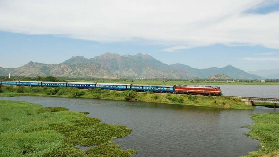 Indian Railways run 3 more special trains - India TV Hindi