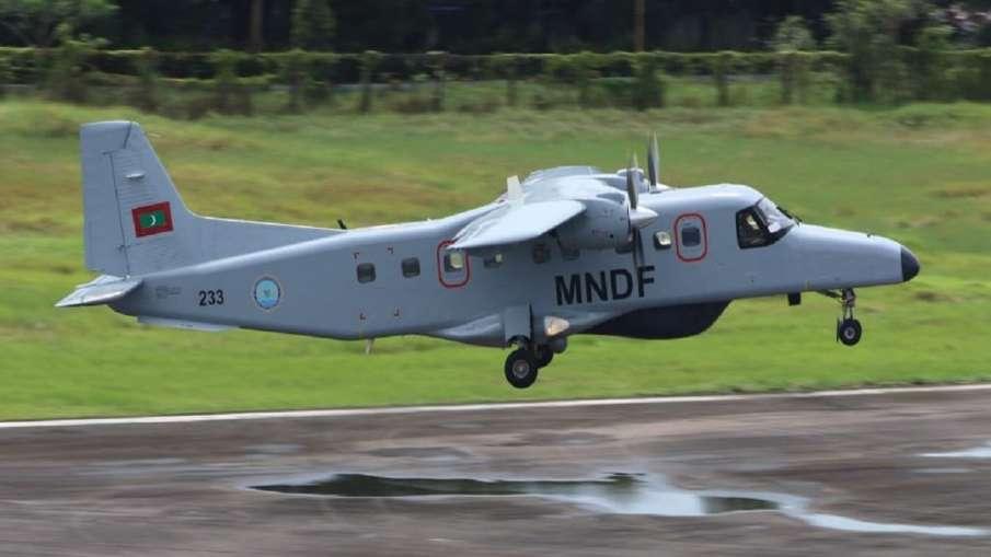 India gives Dornier aircraft to Maldives । और करीब आए भारत और मालदीव, भारत ने उपलब्ध कराया डोर्नियर - India TV Hindi