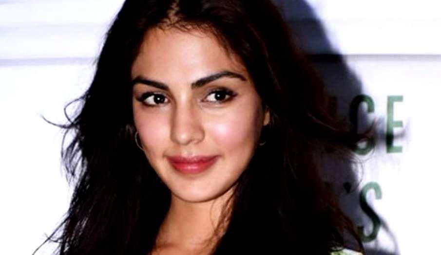 Rhea Chakraborty - India TV Hindi