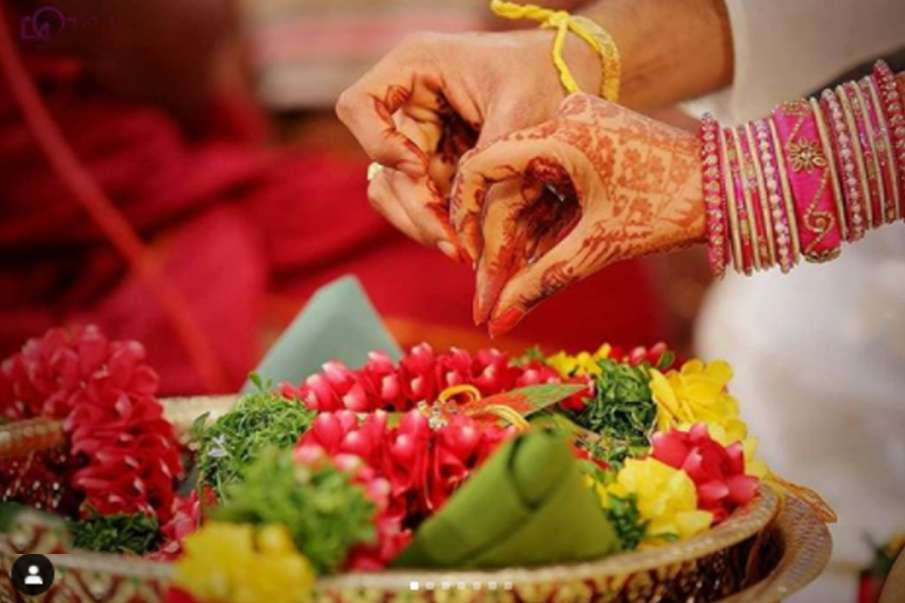 Vastu Tips: शादी में आ रही हैं अड़चने तो अपनाएं ये उपाय, जल्द मिलेगा सुयोग्य जीवनसाथी- India TV Hindi