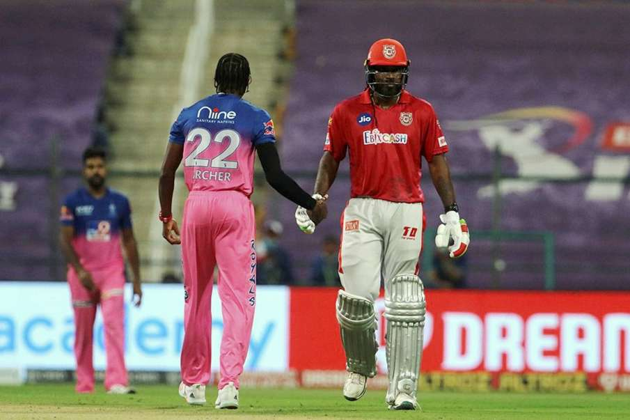 Chris Gayle fury became his enemy, fined 10 percent match fees with match referee reprimand- India TV Hindi