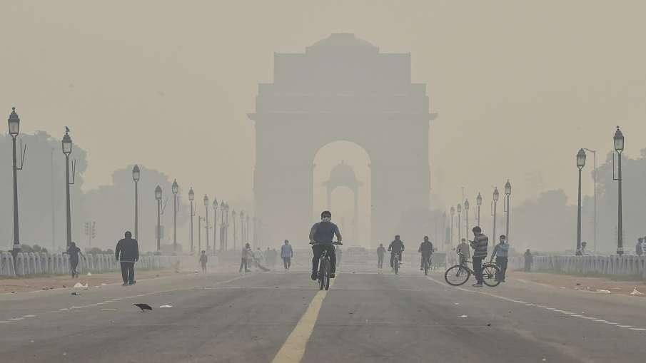 दिल्ली-NCR में बढ़ा वायु प्रदूषण, कई जगहों पर AQI 450 के पार, छाई गहरी धुंध- India TV Hindi