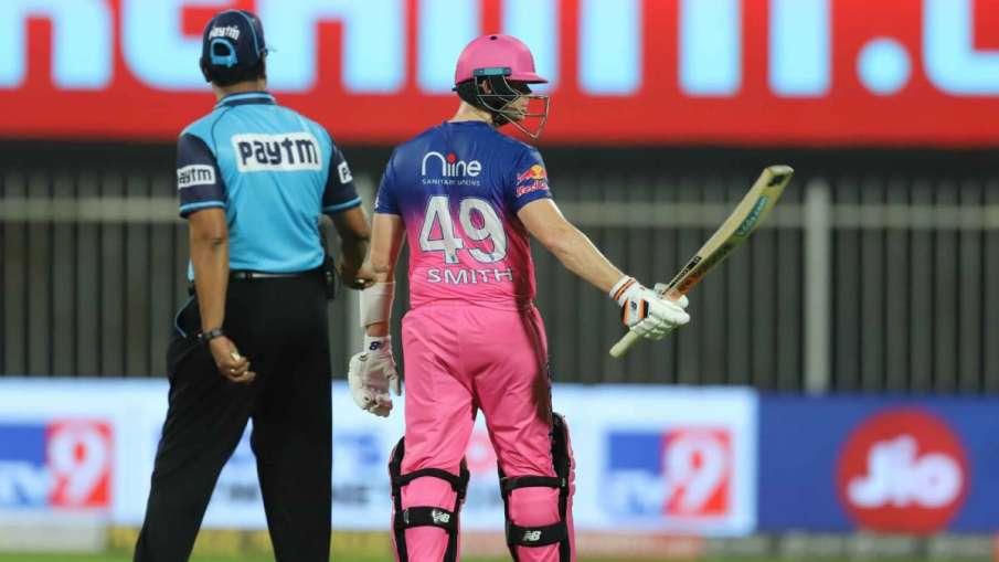 CSK vs RR: Before the third umpire was given out, Steve Smith walked towards the pavilion, then a fe- India TV Hindi