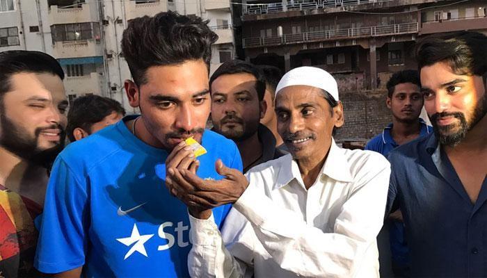 Mohammad Siraj with his Father- India TV Hindi