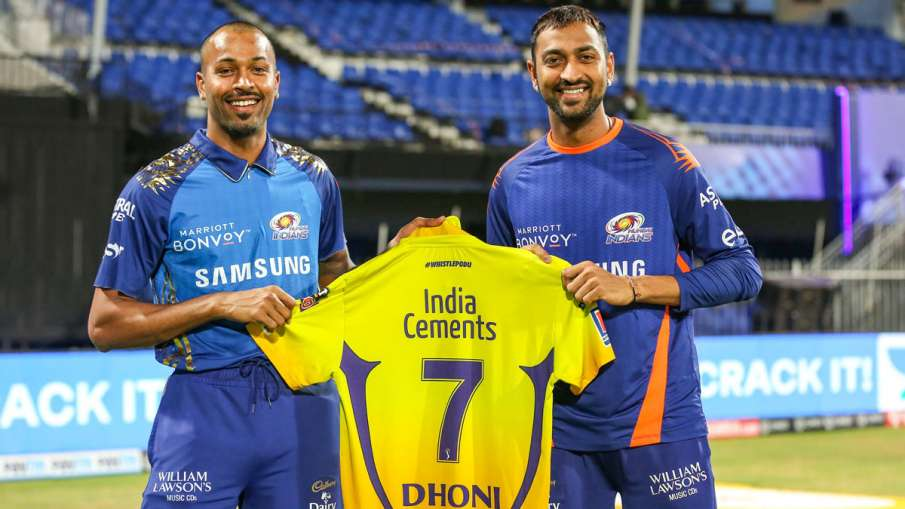 MS Dhoni gifted his jersey to Hardik Pandya And Krunal Pandya After CSK vs MI Match- India TV Hindi