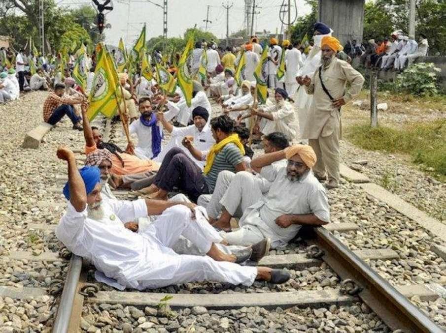 पंजाब में किसान आंदोलन पर बड़ी खबर, 15 दिन के लिए रेल ट्रैक खाली करेंगे किसान- India TV Hindi
