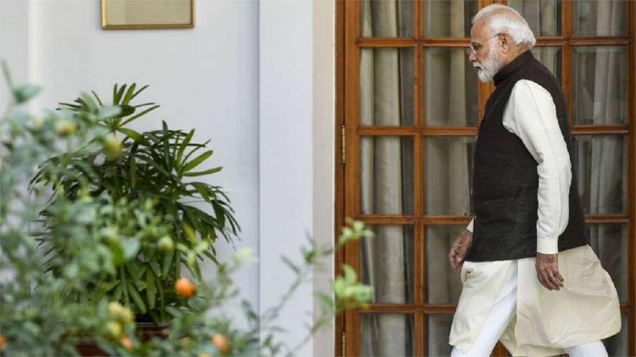 PM Modi to talk to three teams involved in developing Corona Vaccine । Corona Vaccine विकसित करने मे- India TV Hindi