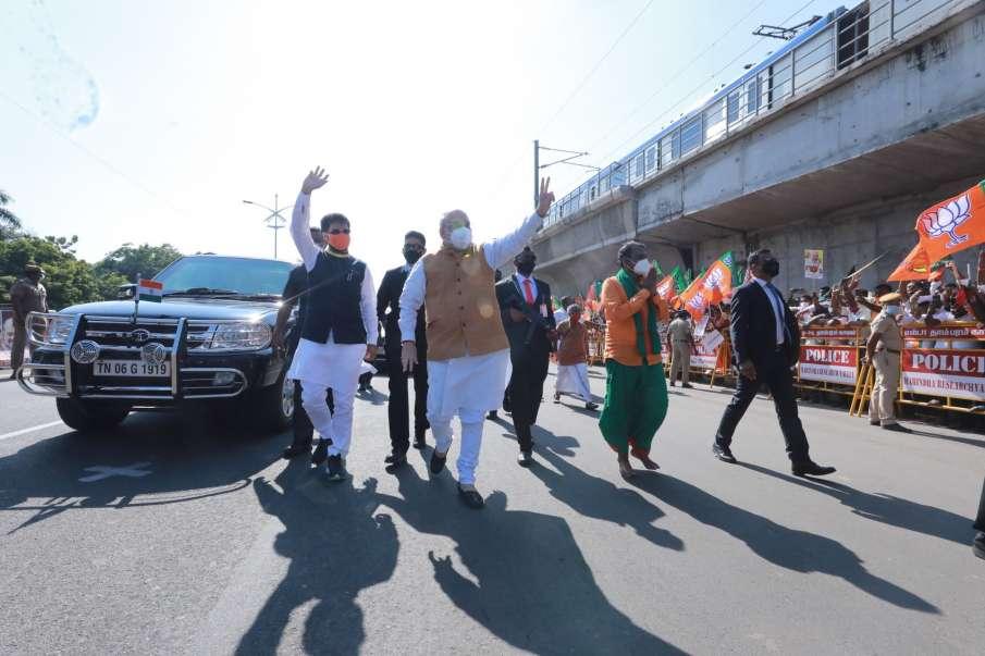 कोरोना वायरस के खिलाफ लड़ाई में प्रधानमंत्री के साथ खड़ा है देश: अमित शाह- India TV Hindi