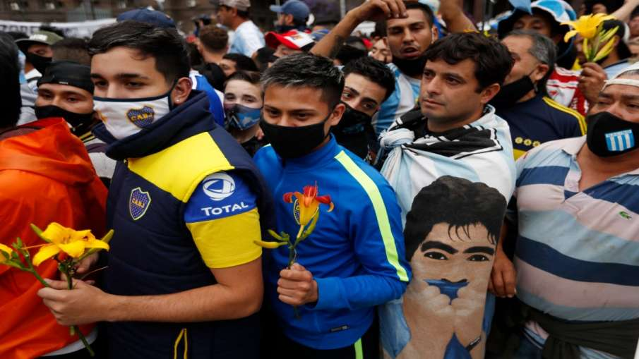 Thousands of fans paid tribute to Maradona, including the President of Argentina- India TV Hindi