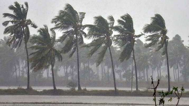 Cyclone Nivar Puducherry Section 144 imposed । Cyclone Nivar: Puducherry में धारा 144 लागू, सभी दुका- India TV Hindi