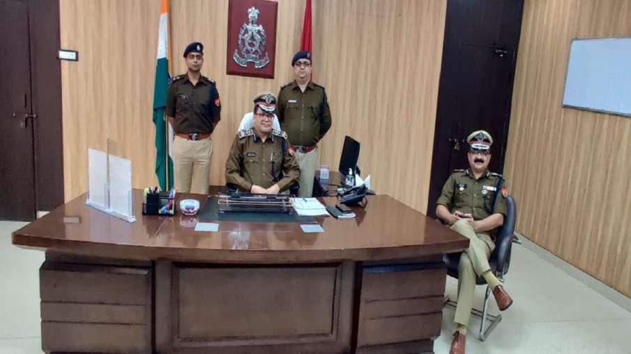 लखनऊ के पुलिस...- India TV Hindi