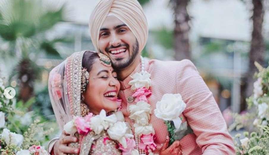 पति रोहनप्रीत सिंग हनीमून के लिए दुबई पहुंची नेहा कक्कड़- India TV Hindi