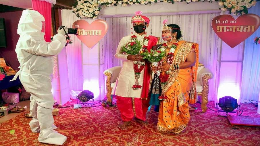 marriage in corona time only hundred guest allowed in uttar pradesh । कोरोना के बढ़ते मामलों से योगी- India TV Hindi