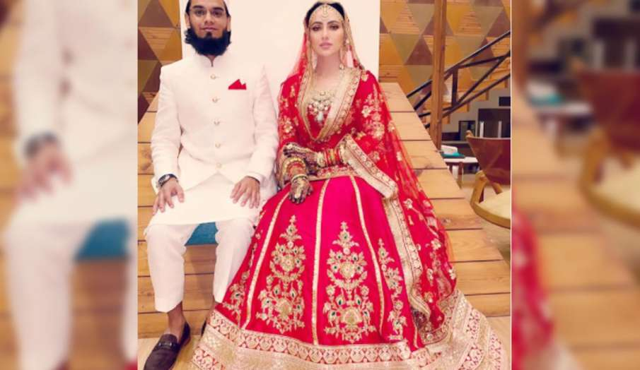 sana khan shares first wedding pic- India TV Hindi