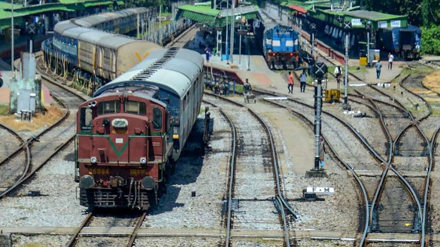 Time changed for some special trains including Rajdhani and Shatabdi, know new schedule - India TV Hindi